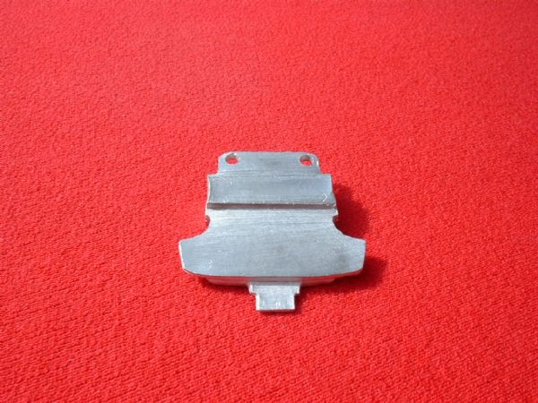 Dinky Toys 32C French Dinky Citerne Titan front baseplate (Each)